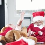 Chilling santas helper children Christmas Photo shoot. Tomtenisse barnfotografering jul.